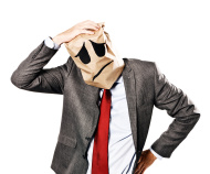 stock-photo-37806606-homme-d-affaires-en-regardant-deprime-sac-en-papier-masque-eraflures-son-mal-de-tete