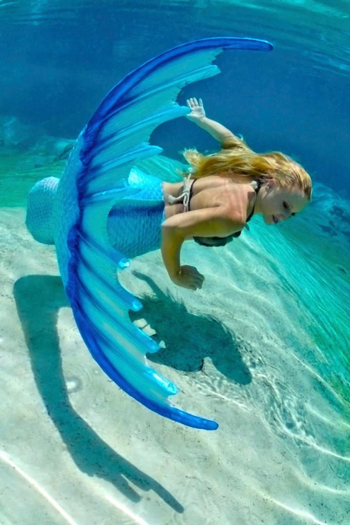 mermaid-melissa-promo-press-blue-tail-web